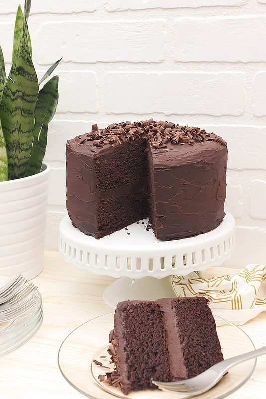chocolate cake with dark chocolate ganache frosting