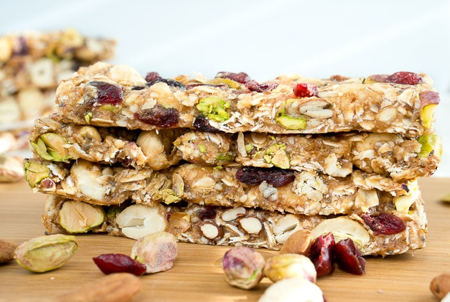 Healthy Homemade Granola Bars | www.deliciousmeetshealthy.com