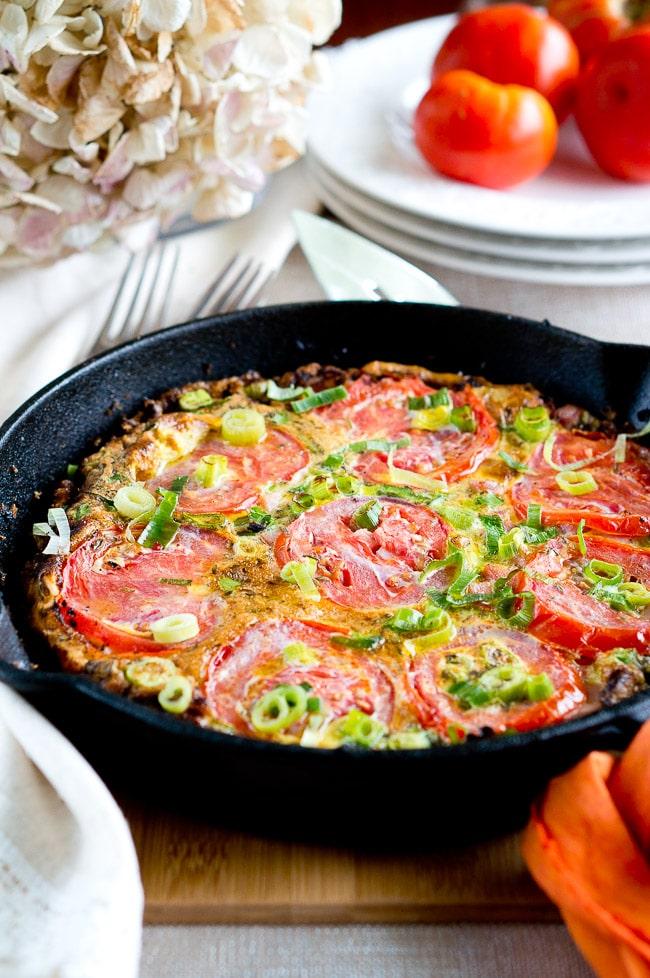 Potato Ham Tomato Frittata | www.deliciousmeetshealthy.com