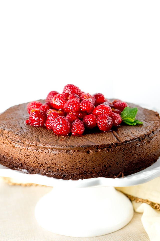 This decadent flourless chocolate cake is rich and creamy. Easy recipe, made with only 5 ingredients. Paleo, gluten-free and tastes amazing!